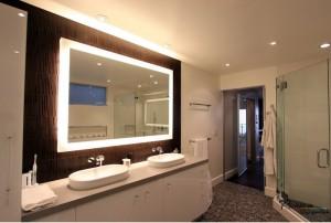Освещение и подсветка в ванной комнате